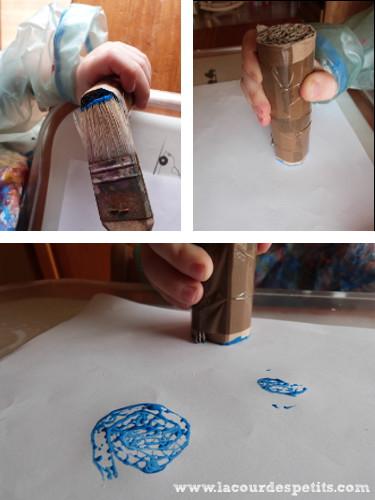 Peinture sur le tampon en carton