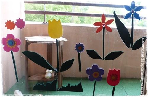 Bricolage avec du papier mousse des fleurs pour les for Decoration vitres fenetres