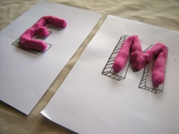 lettres pate durcissante