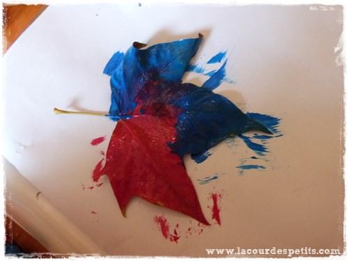 Bricolage automne empreinte feuille peinture