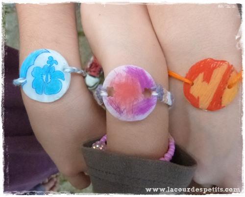Modeles bracelets plastique fou