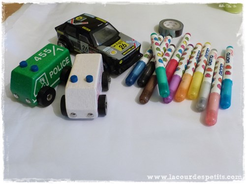 dessin voitures feutres materiel