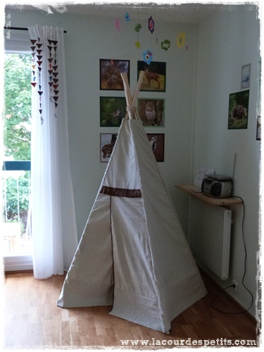 fabrication d 39 un tipi pour enfant la cour des petits. Black Bedroom Furniture Sets. Home Design Ideas
