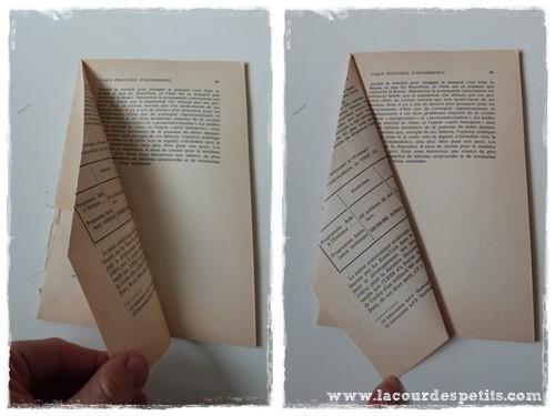 Un Sapin En Papier Avec Un Vieux Livre La Cour Des Petits