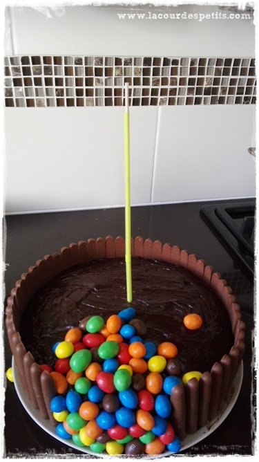 gravity cake bonbons