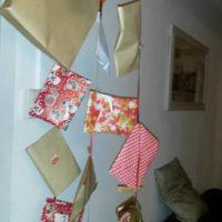 calendrier avent cadeaux suspendus